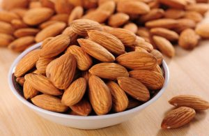almond-nuts-in-a-bowl